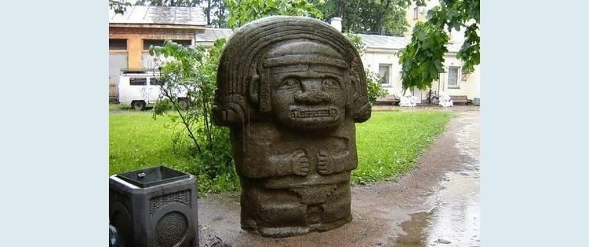 Скульптуры индейских богов
