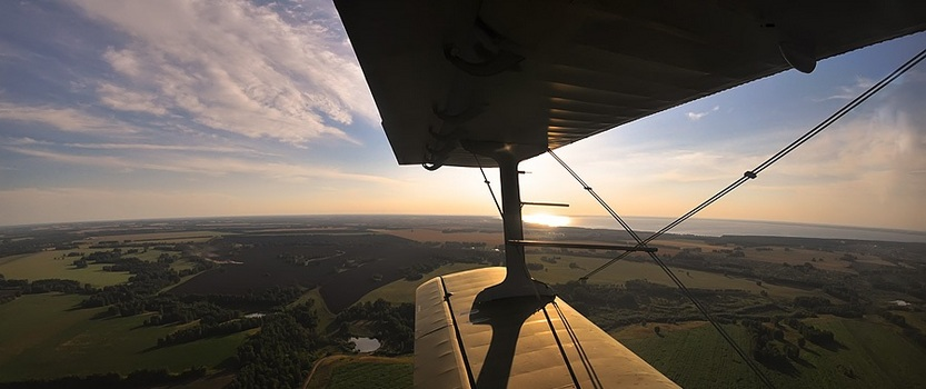 Полёт на прогулочном самолёте над пригородами Петербурга