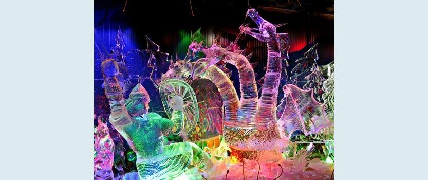 Фестиваль ледяных скульптур в Петропавловской крепости