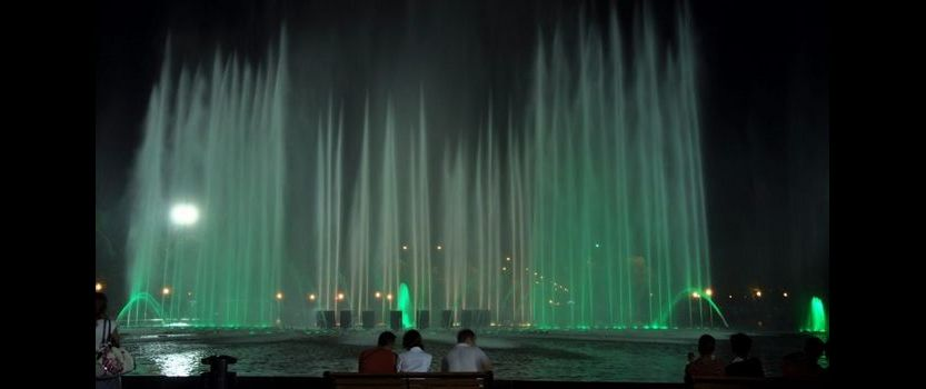 Dance water and light: opening the dancing fountains