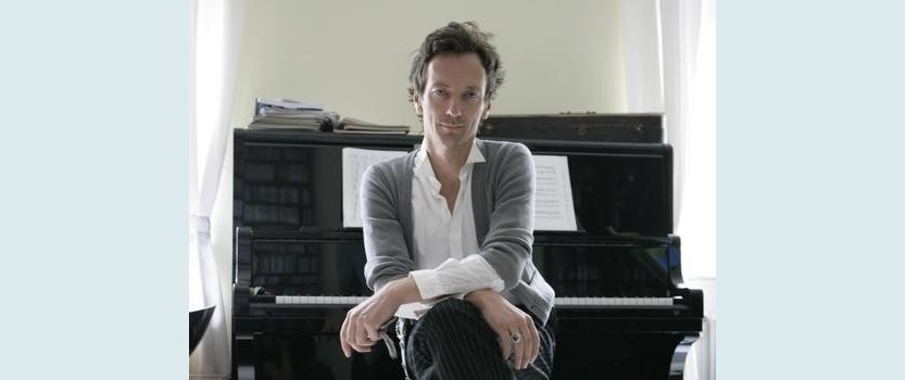 The concert of the composer Volker Beltermana (Hauschka)