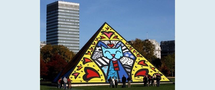 Выставка Ромеро Бритто: Формула успеха