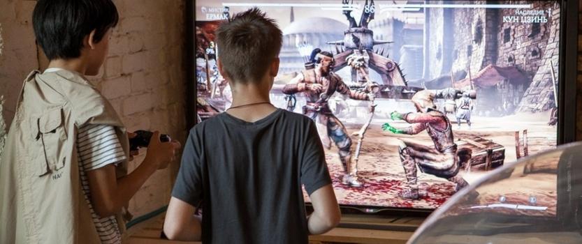 Выставка игровых приставок Level up в Лофт Проекте ЭТАЖИ