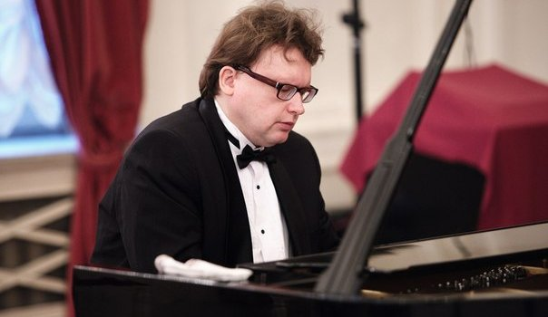 Концерт Владимира Беломестных в Белом зале
