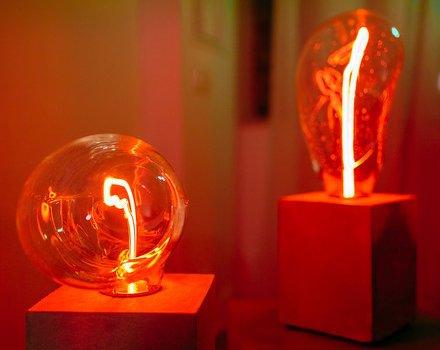 Выставка световых арт-объектов в галерее современного искусства