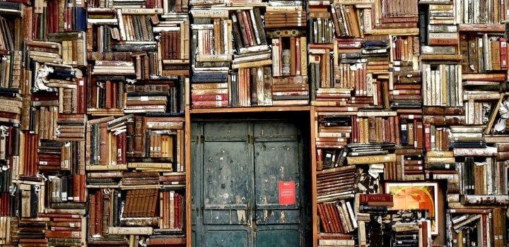 Книжная барахолка в